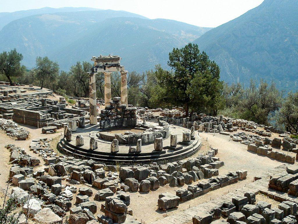 delphi grecja tolos