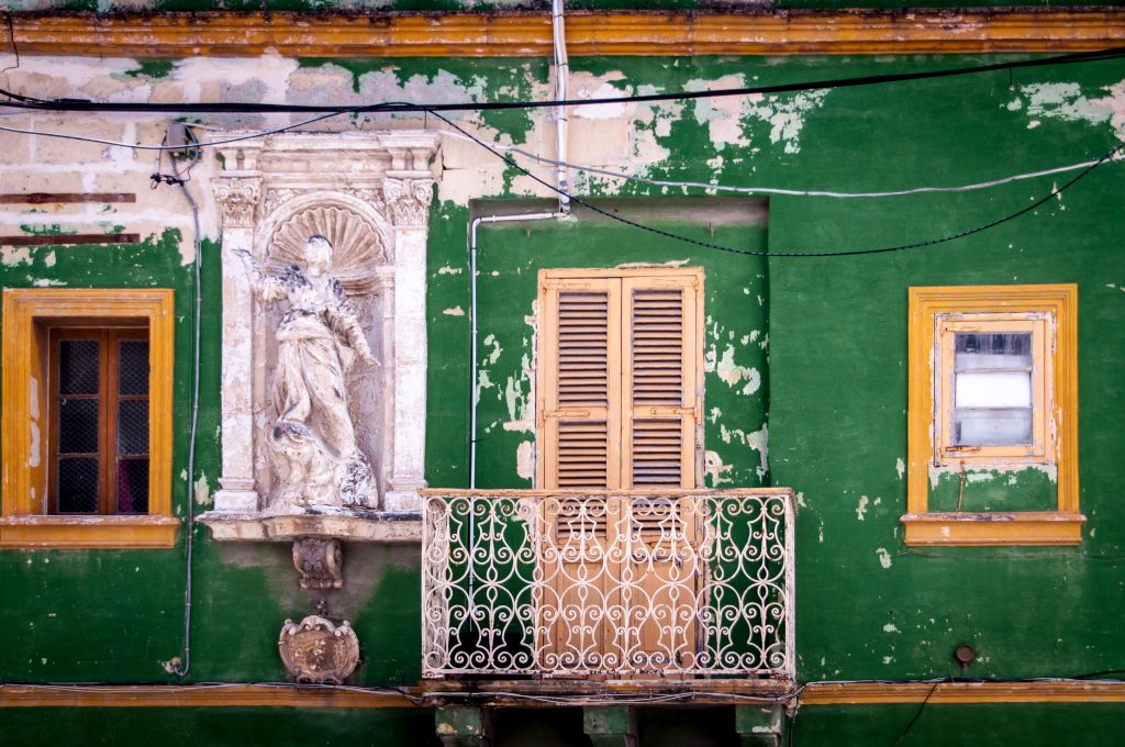 malta island balcony