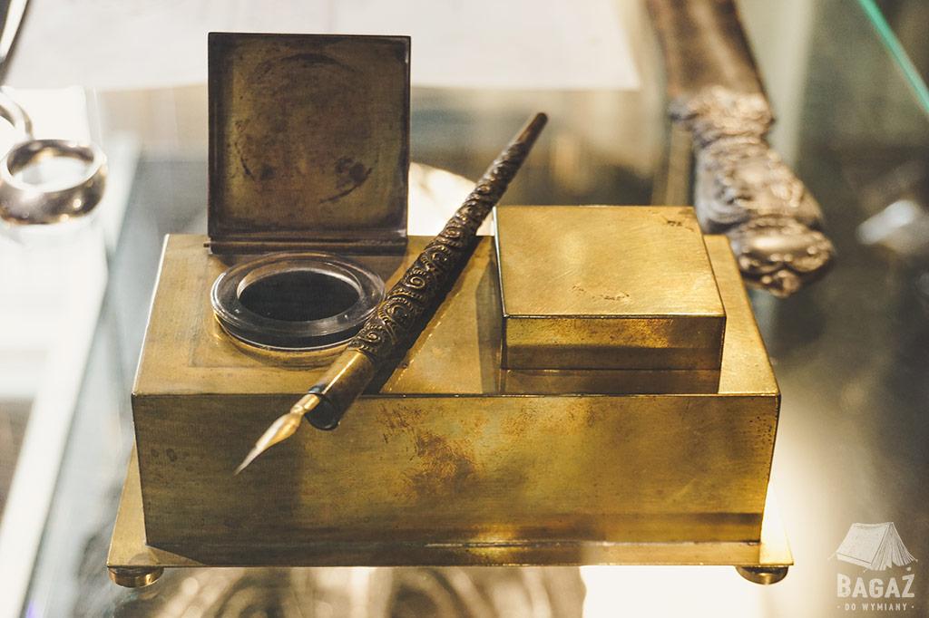 pióro nikola tesla w muzeum w belgradzie