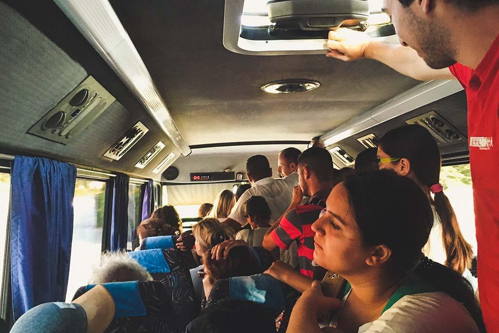 bus z permet do korcy
