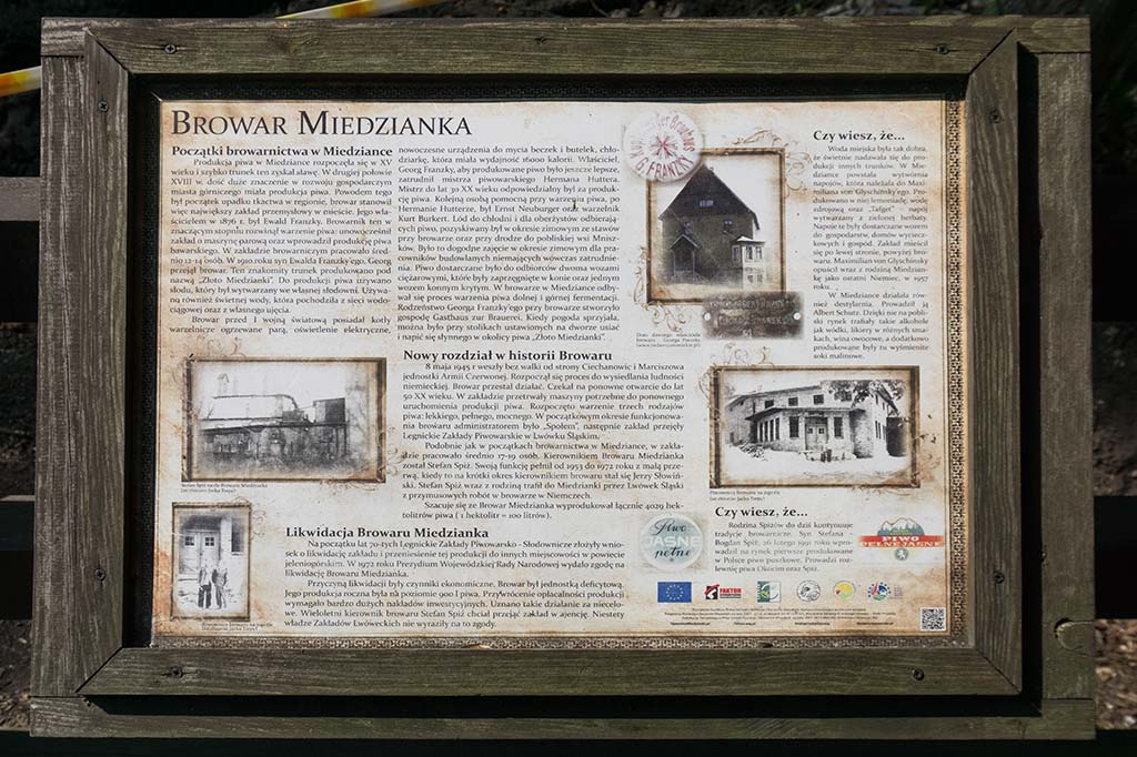 tablica z historią Browaru Miedzianka