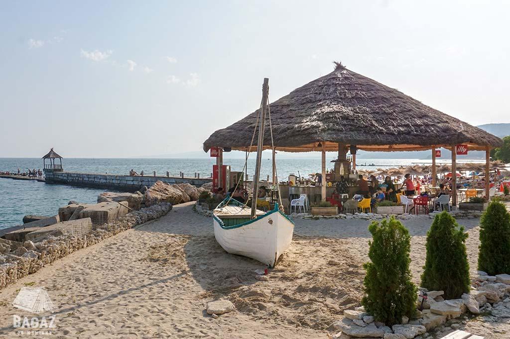 plaża z barem w Bałczik