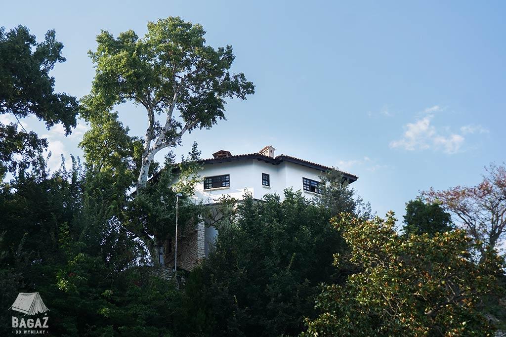 dom w ogrodzie Marii Koburg w Bałcziku