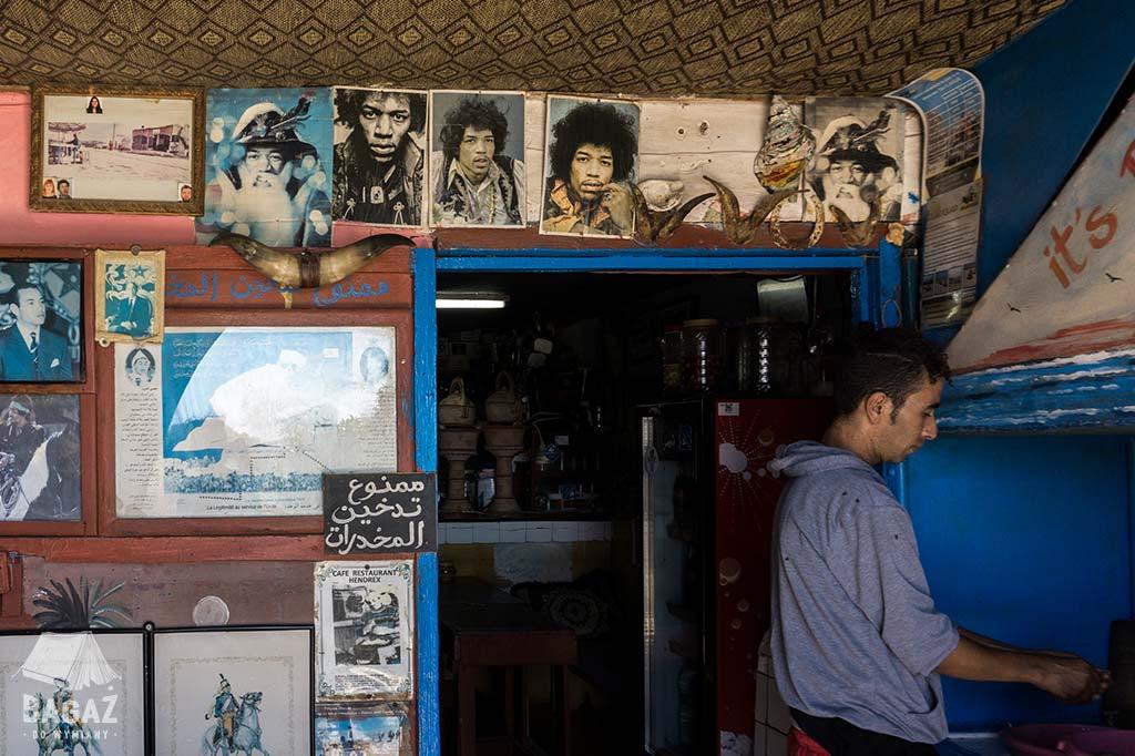 zdjęcia Jimiego Hendrixa w knajpce w Diabat obok Essaouiry