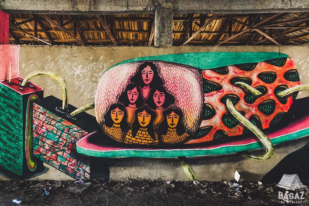 graffiti w opuszczonym budynku w bałczik