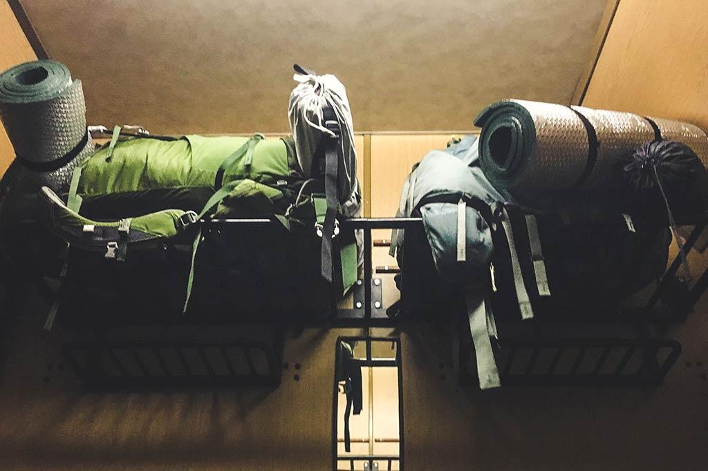 plecaki turystyczne w pociągu