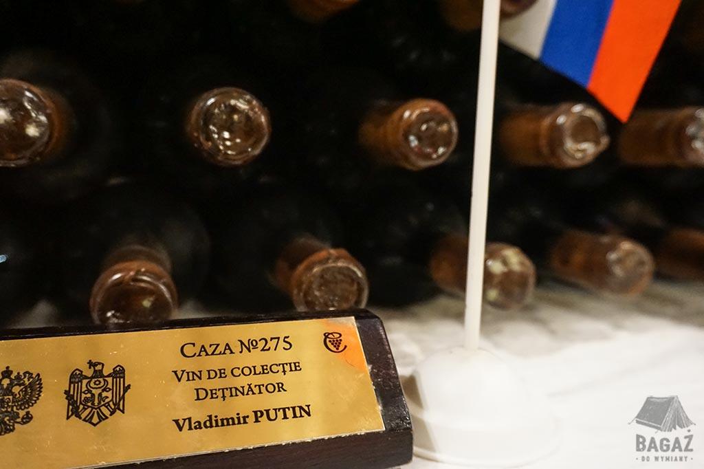kolekcja win Władimira Putina znajdująca się w mołdawskiej winnicy Cricova