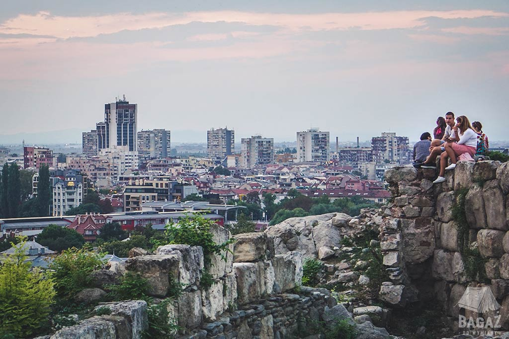 panorama miasta ze wzgórza nebet tepe bułgaria