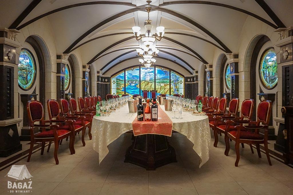 sala degustacyjna w winiarni cricova
