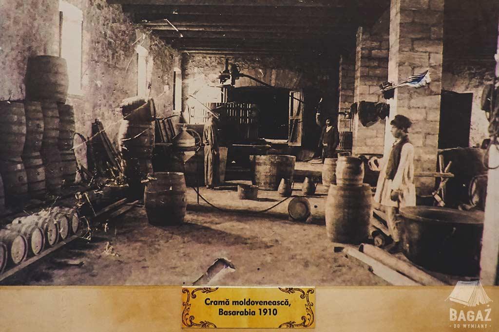 historyczna fotografia z winiarni cricova