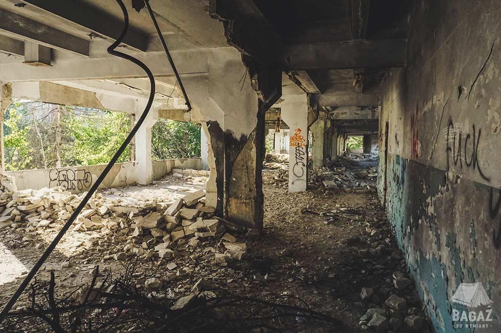 zwiedzanie opuszczonego budynku w naddniestrzu