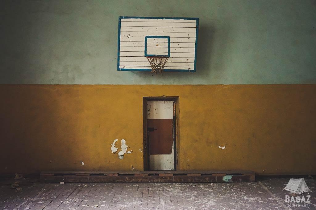 opuszczona szkoła w naddniestrzu sala gimnastyczna