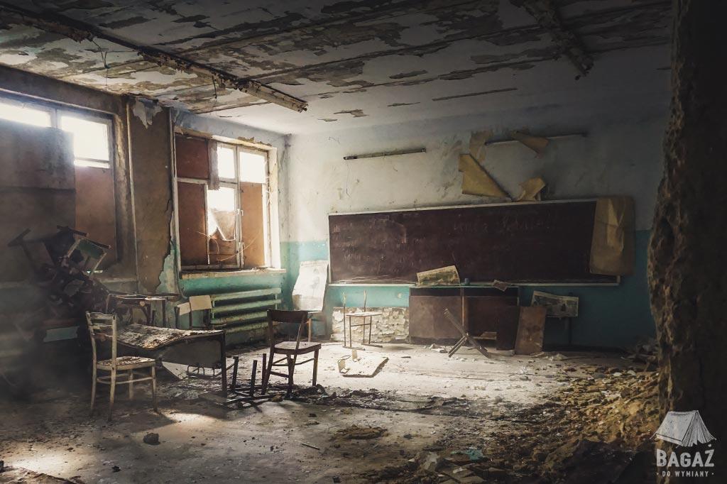 opuszczona sala lekcyjna w szkole w naddniestrzu