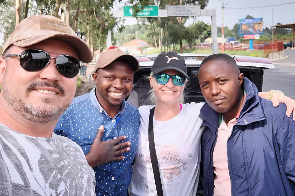 carola travels the world w kenii