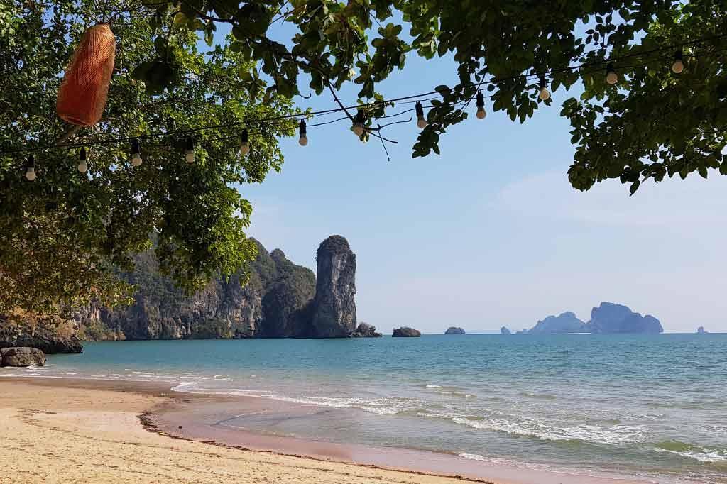 plaża w krabi podczas epidemii koronawirusa